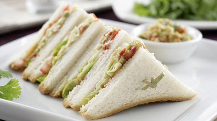 Receta deSándwich de guacamole con bacalao ahumado